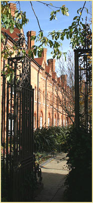 Peters Court Gate